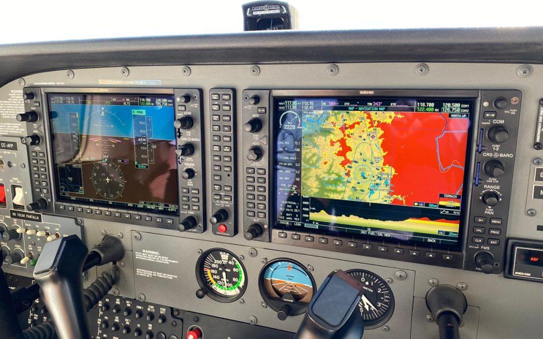Aeroservicio entrega instalación ADS-B en Cessna 172 G1000